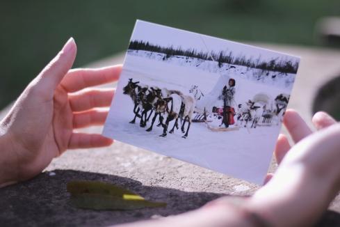 Big Iei from coldly Russia! Não só o cartão, mas o recado da Elli foi um amor. :)